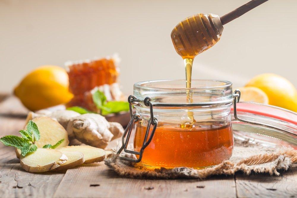 Mơ thấy uống mật ong chiêm bao thấy uống mật ong đánh con gì