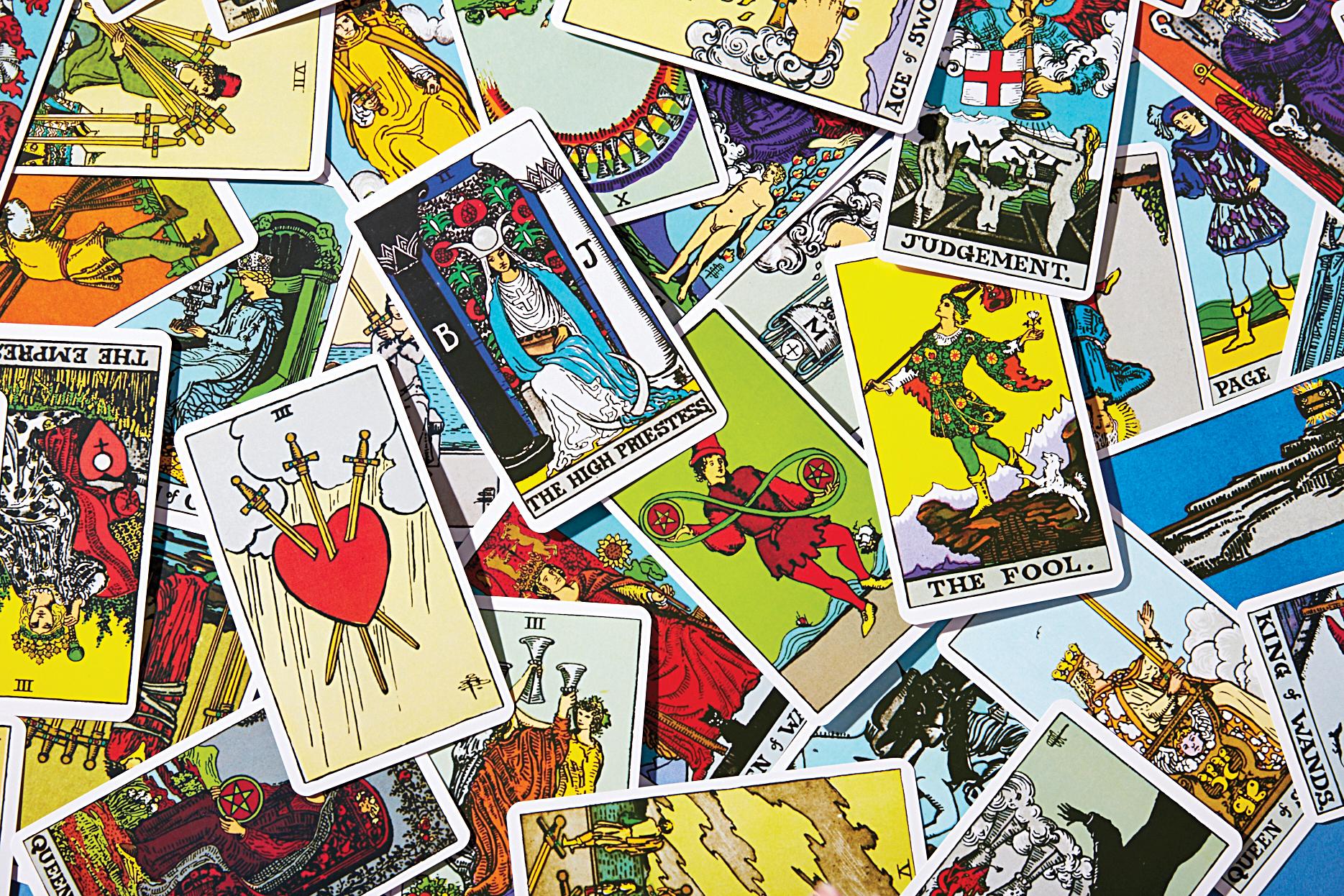 Bói bài Tarot: Ý nghĩa lá bài The Hangedman (12)