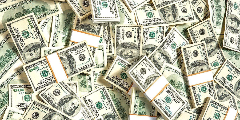 Nằm mơ thấy ai đó lấy tiền của bạn có ý nghĩa gì? Tốt hay xấu?